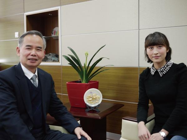 2012年2月7日 十周年特刊——专访市检测中心主任 <br>郑光辉,畅谈《检测中心十年建设和发展历程》